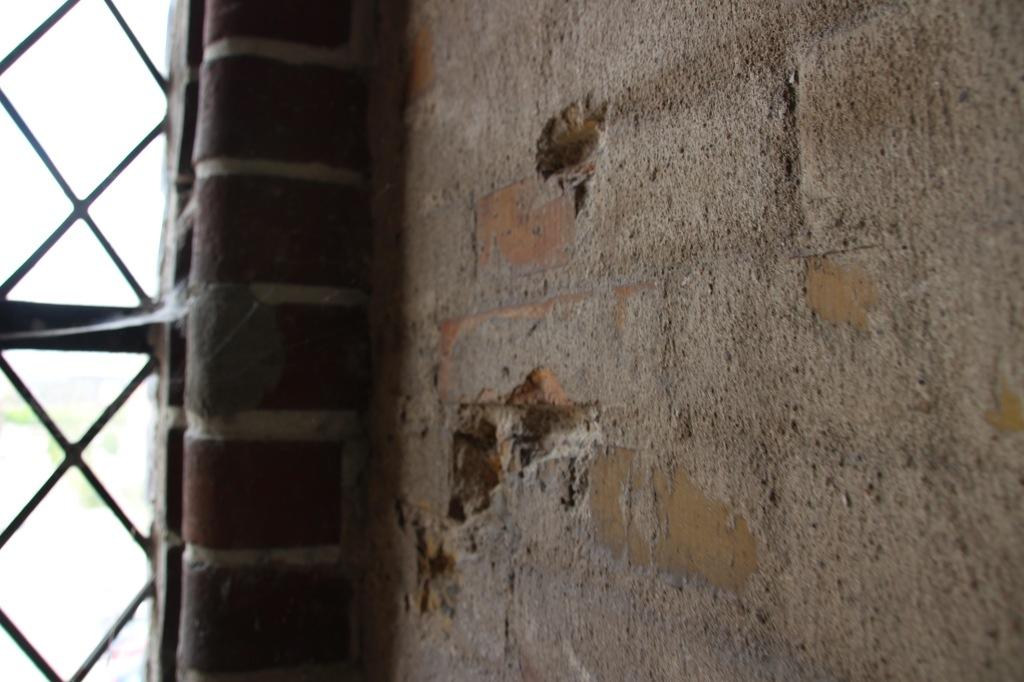 Skudhuller fra 5.5.1945 i Albani Kirkes tårn