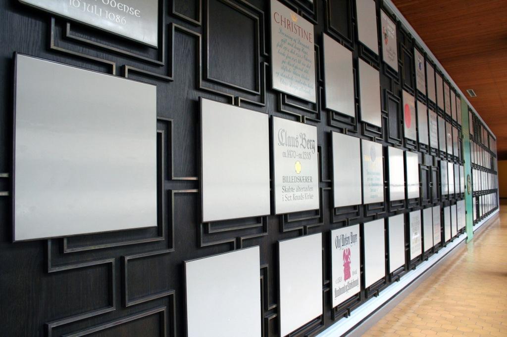 Mindevæggen på Odense Rådhus