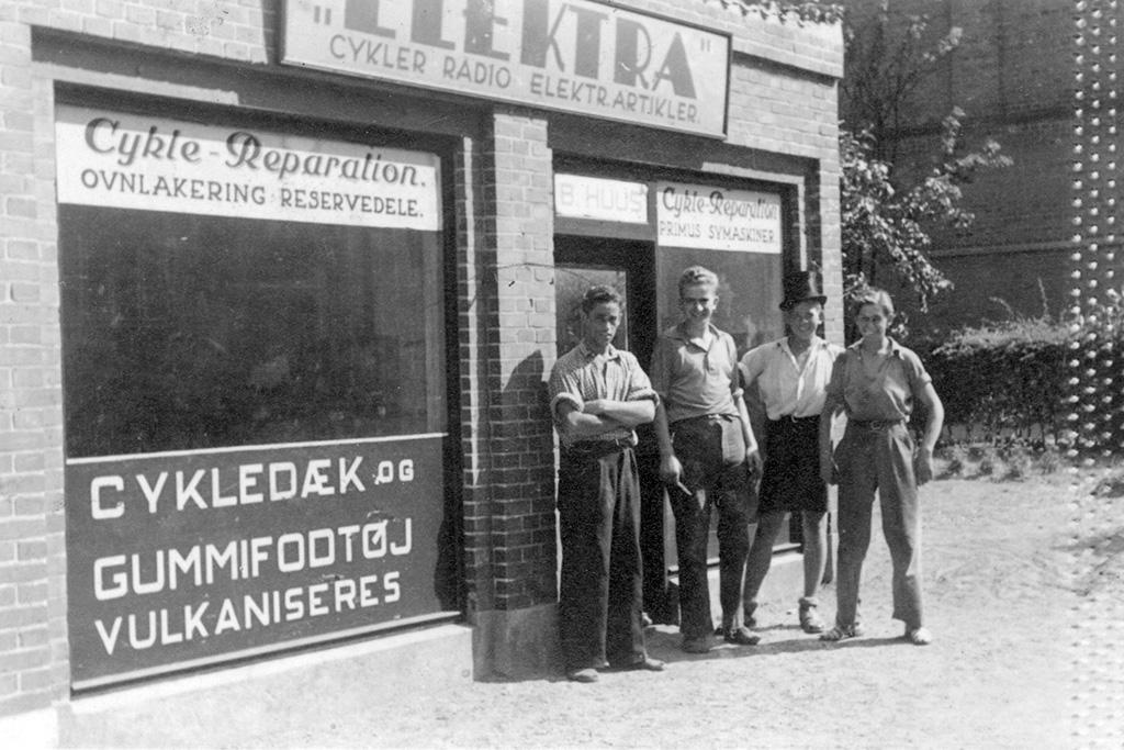 Ivan Adriansen med kolleger 1943